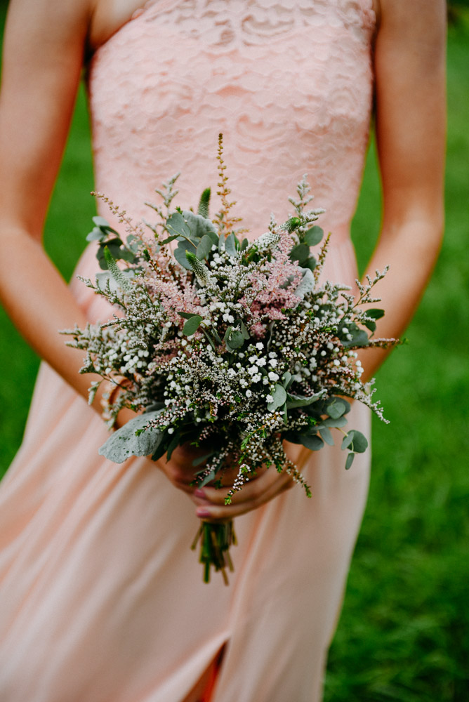natural rustic bridesmaid bouquet with pink