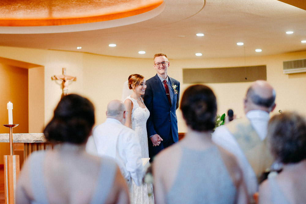 laughing in milwaukee church wedding