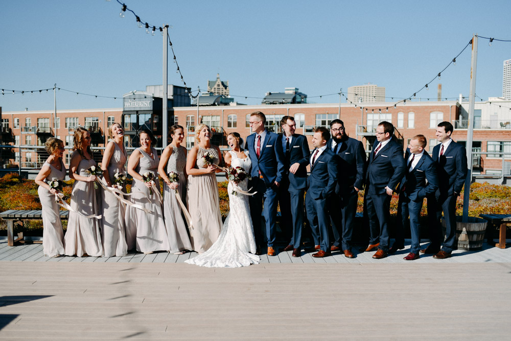 wedding party on 889 rooftop in milwaukee wedding