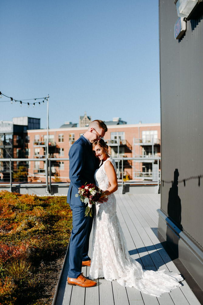 places to take pictures in milwaukee for wedding