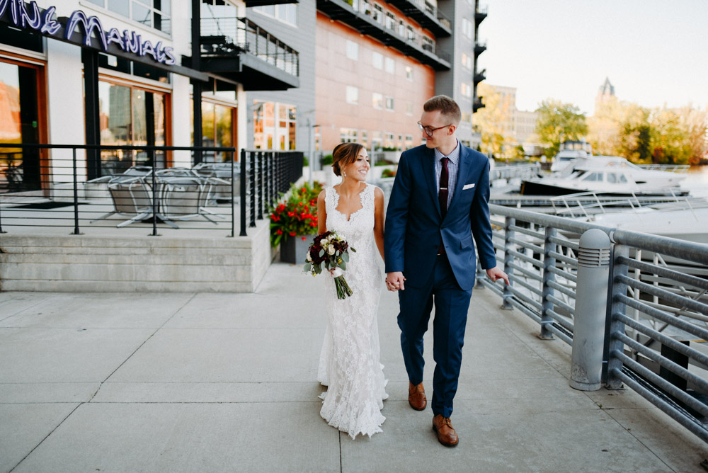 wedding in downtown milwaukee near river