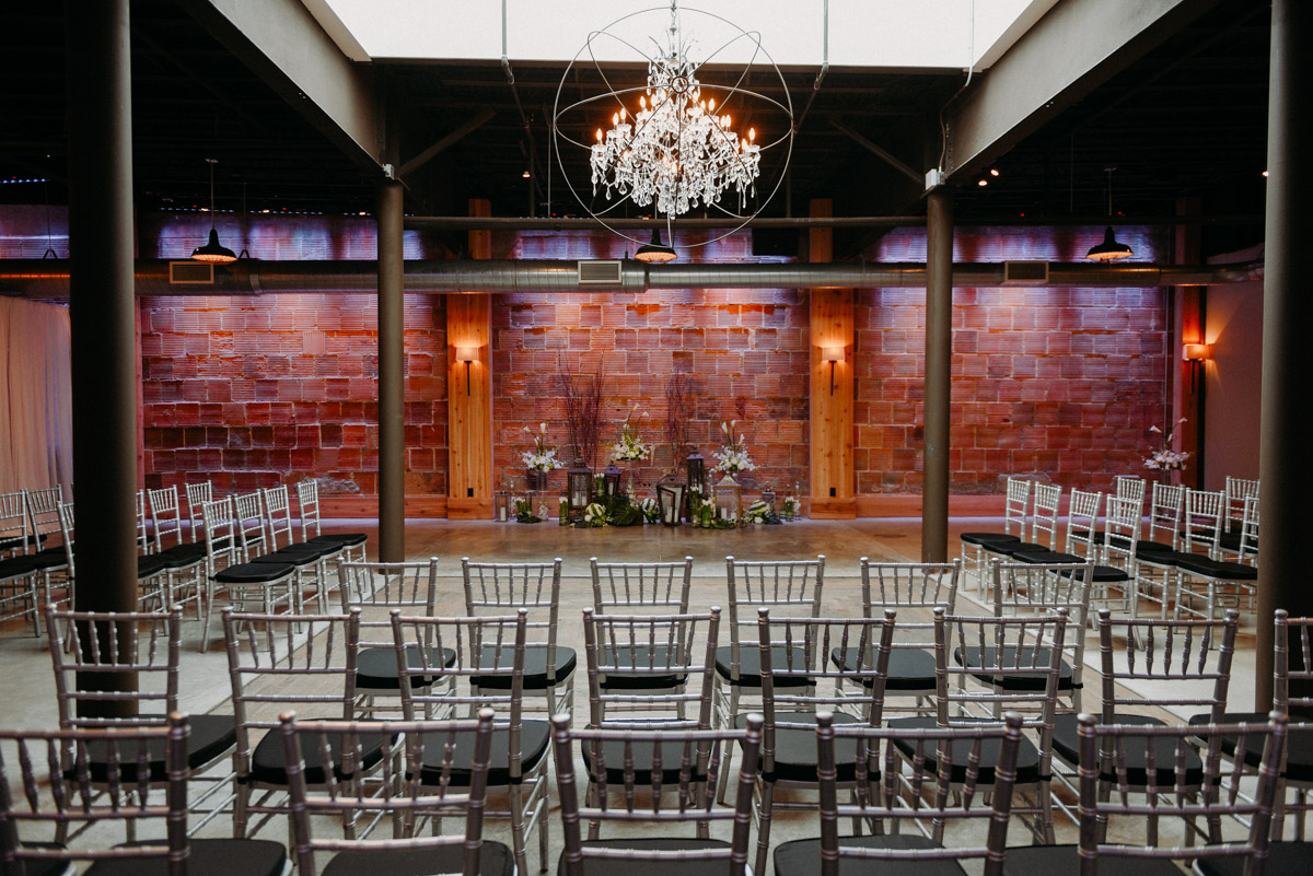 Milwaukee Wedding Venues.Real Wisconsin Weddings At Rustic Venues Kathleen Stogin