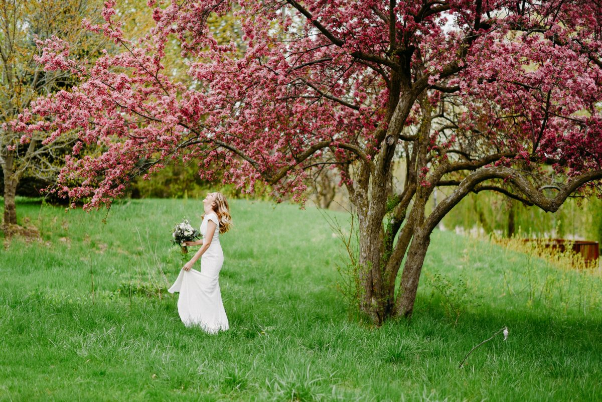 happy bride after avoiding wedding planning mistakes
